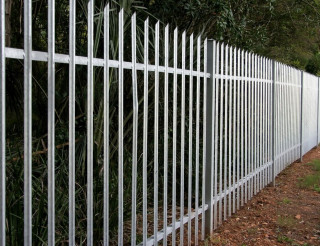 paliside-fencing-in-milton-keynes